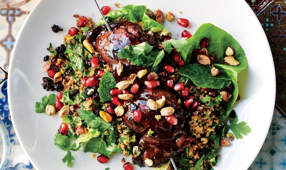 pomegranate-molasses-chicken-with-bulgur-salad-940x560