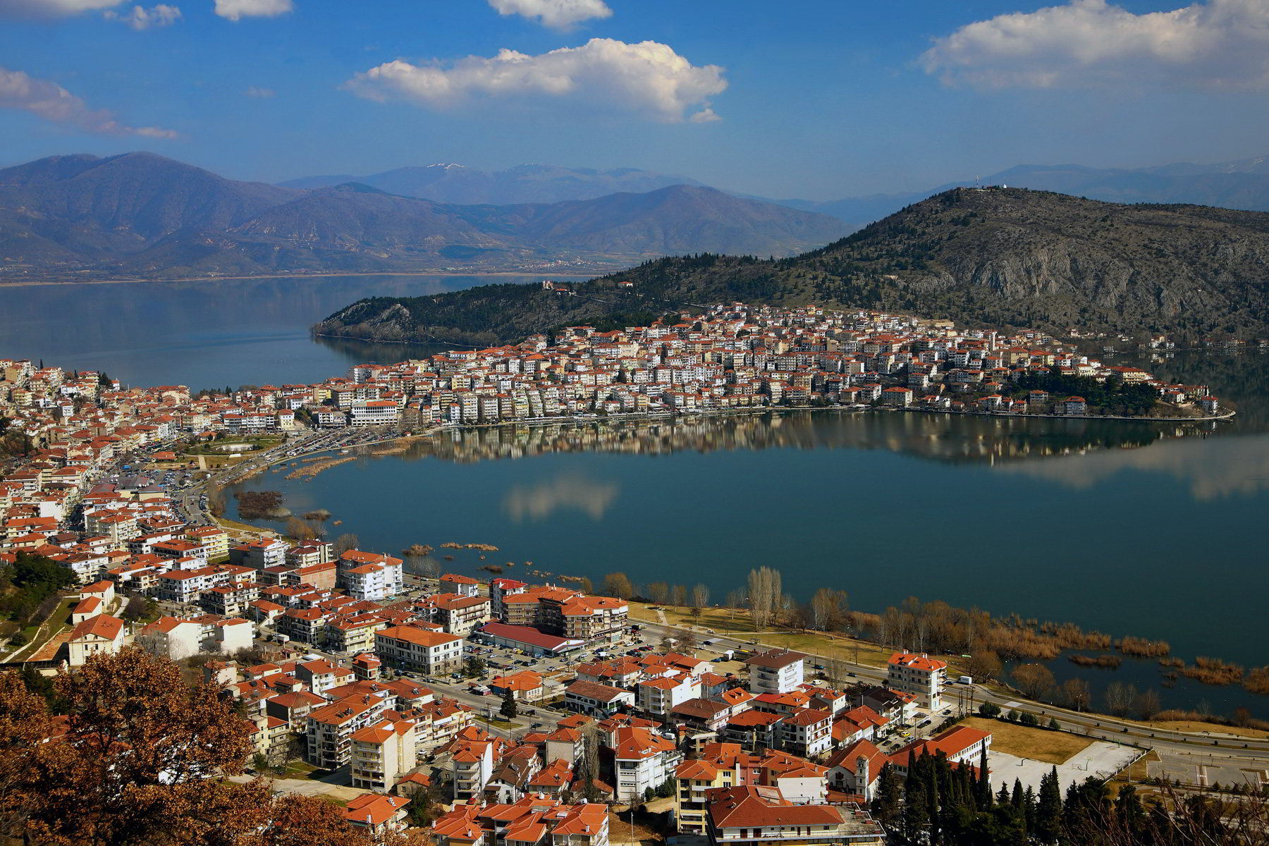lake-orestiada-in-kastoria-in-day